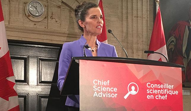 Le Ministre Kirsty Duncan le 5 décembre 2016. Photo par Photo Helen Murphy, Universités Canada.